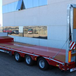 Machine-carrier Low-loader GP3_Ramps